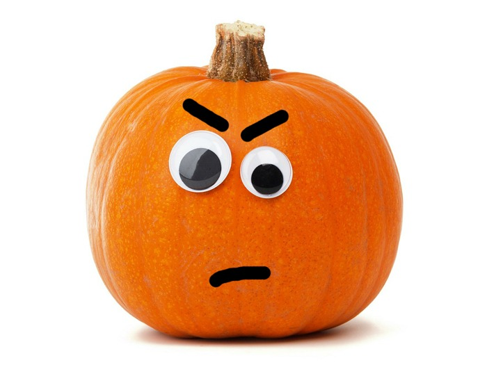An angry looking Halloween pumpkin to represent the thing I hate about autumn.
