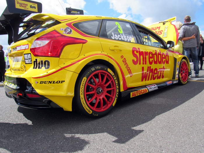 A Team Shredded Wheat car on the Snetterton grid.