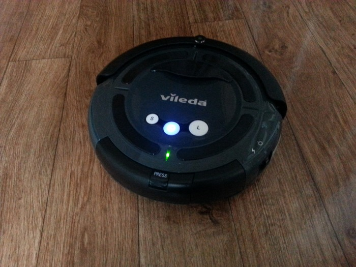 A cleaning robot