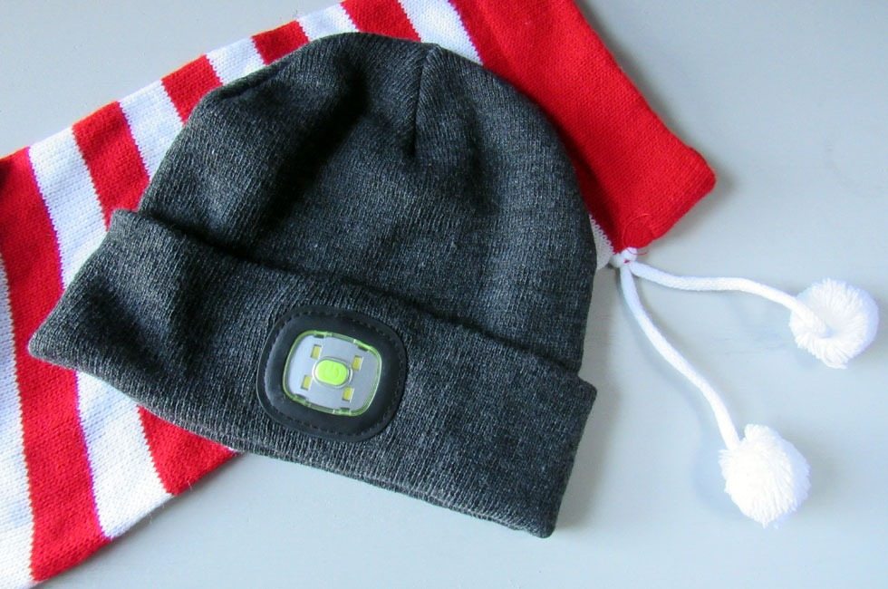 BRIGHT-i beanie hat with LED light.