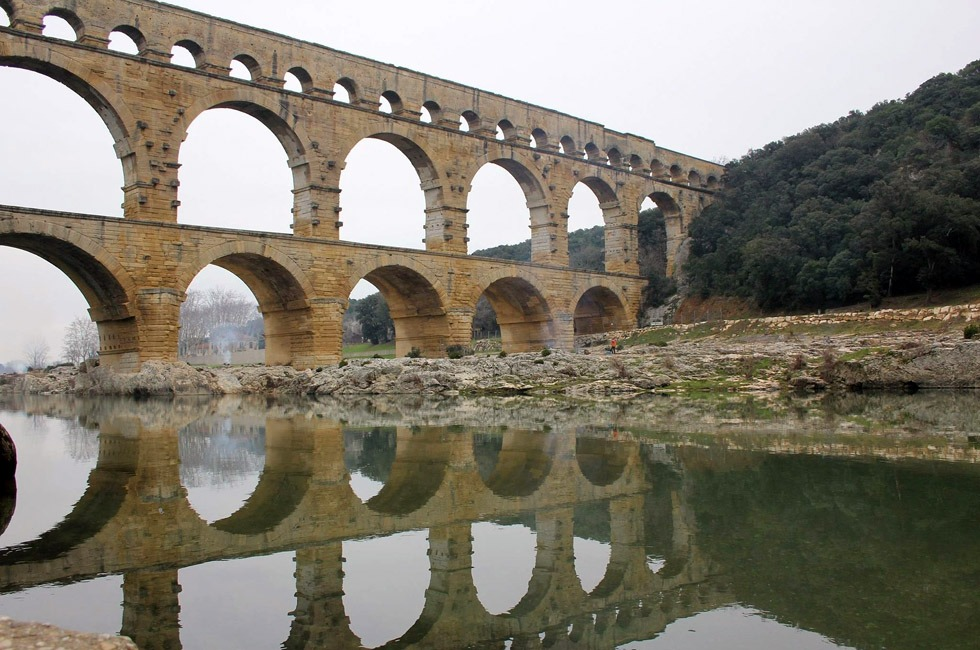 An aqueduct. Definitely something that the Romans did for us.