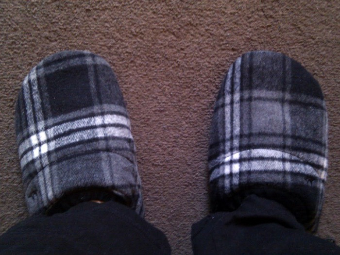 A pair of slippers.